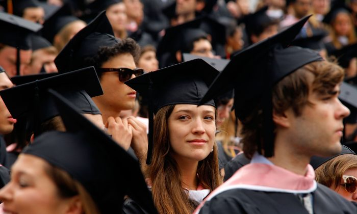 Students at the 2010 commencement at Vassar College in Poughkeepsie, N.Y., on May 23, 2010. (Andy Kropa/Getty Images)