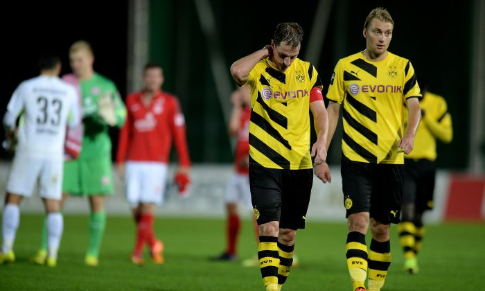 Players of Dortmund look dejected after losing their third league match against 1. FSV Mainz 05 II at Stadion Rote Erde on August 26, 2014 in Dortmund, Germany. (Photo by Sascha Steinbach/Bongarts/Getty Images)