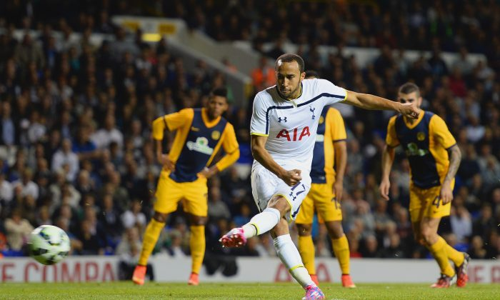 Andros Townsend of Spurs scores their third goal from the penalty spot during the UEFA Europa League Qualifying Play-Offs Round Second Leg match between Tottenham Hotspur and AEL Limassol FC on August 28, 2014 in London, United Kingdom. (Photo by Jamie McDonald/Getty Images)