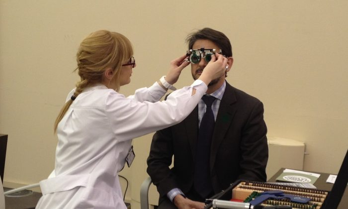 Checking for glaucoma. (CDC, CC BY)