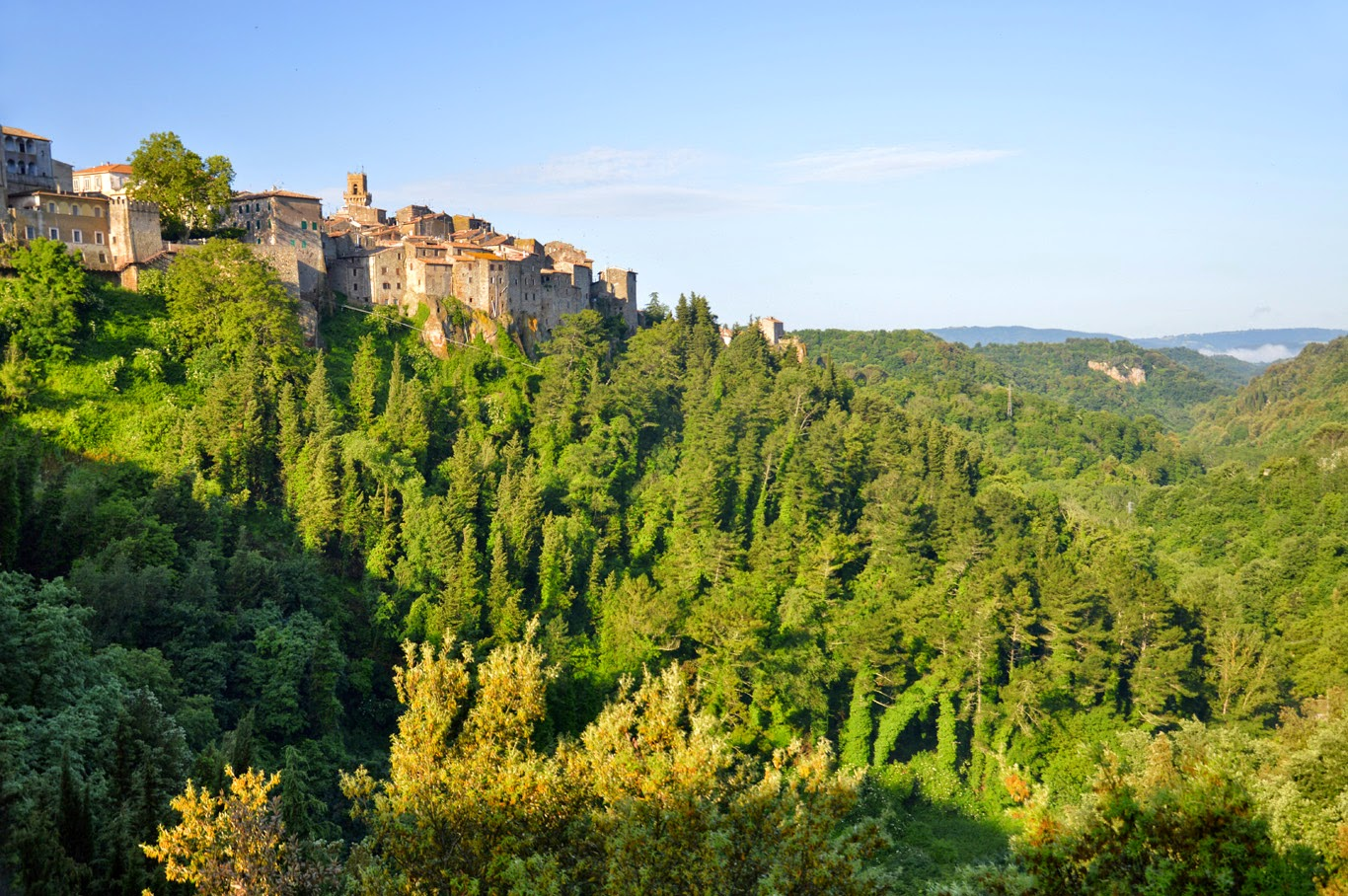 Pitigliano - surroundings(Tomasz Lisowski, Adventurous Travels)