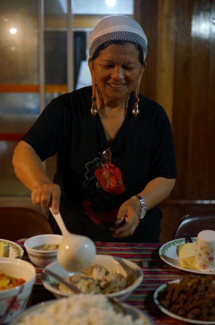 Kelabit woman cooks up some delicious local food. (Jonny Duncan, Backpacking Man)