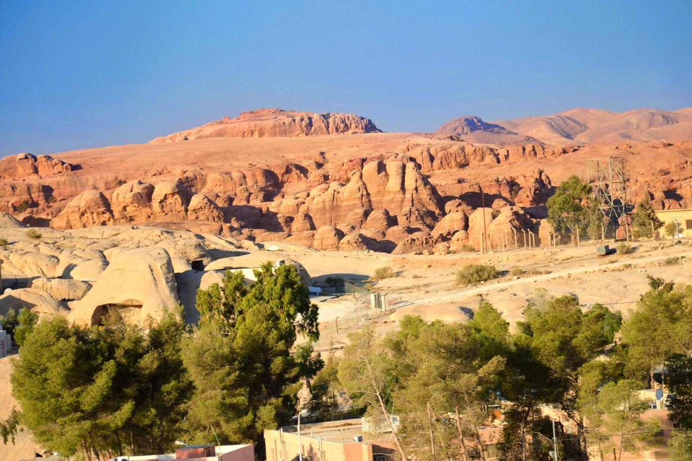 Rock formations around Wadi Musa (Tomasz Lisowski, Adventurous Travels)