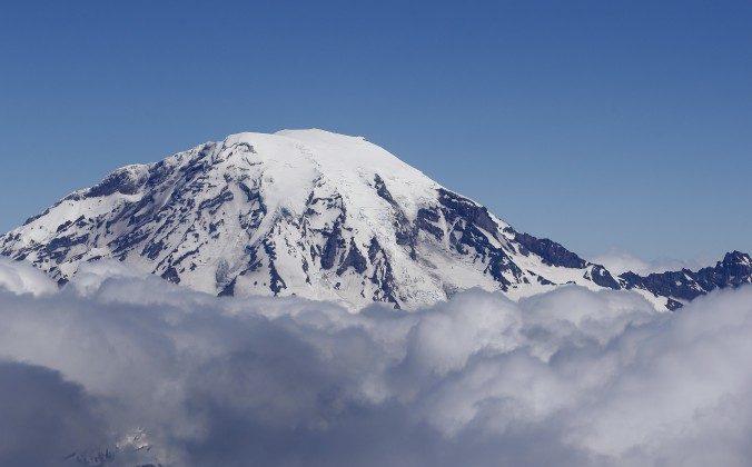 Mount Rainier in a file photo. (AP Photo/Elaine Thompson)