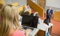 Using Laptops for Note-Taking Impedes Learning, Study Shows