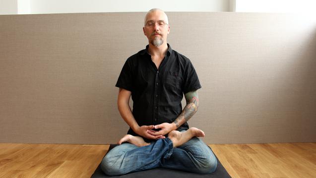"Pake Hall, who led a ""Path of Freedom"" meditation class. Gothenburg, Aug. 22, 2014. (Susanne W. Lamm/Epoch Times)"