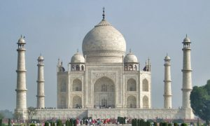 Visiting Taj Mahal, Agra and Mathura in India