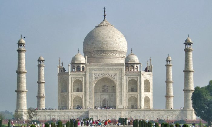 Taj Mahal - The Mausoleum (Tomasz Lisowski, Adventurous Travels)