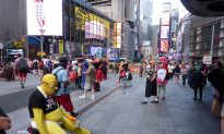 Which Elmo Are You? New Bill to Identify Times Square Costumed Characters