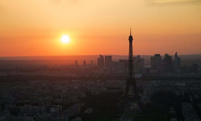 Paris sunset (Beth Williams, BesuDesu Abroad)