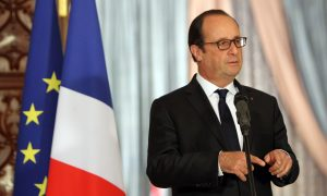 Hollande Heads to Athens as Greece Seeks Debt Relief