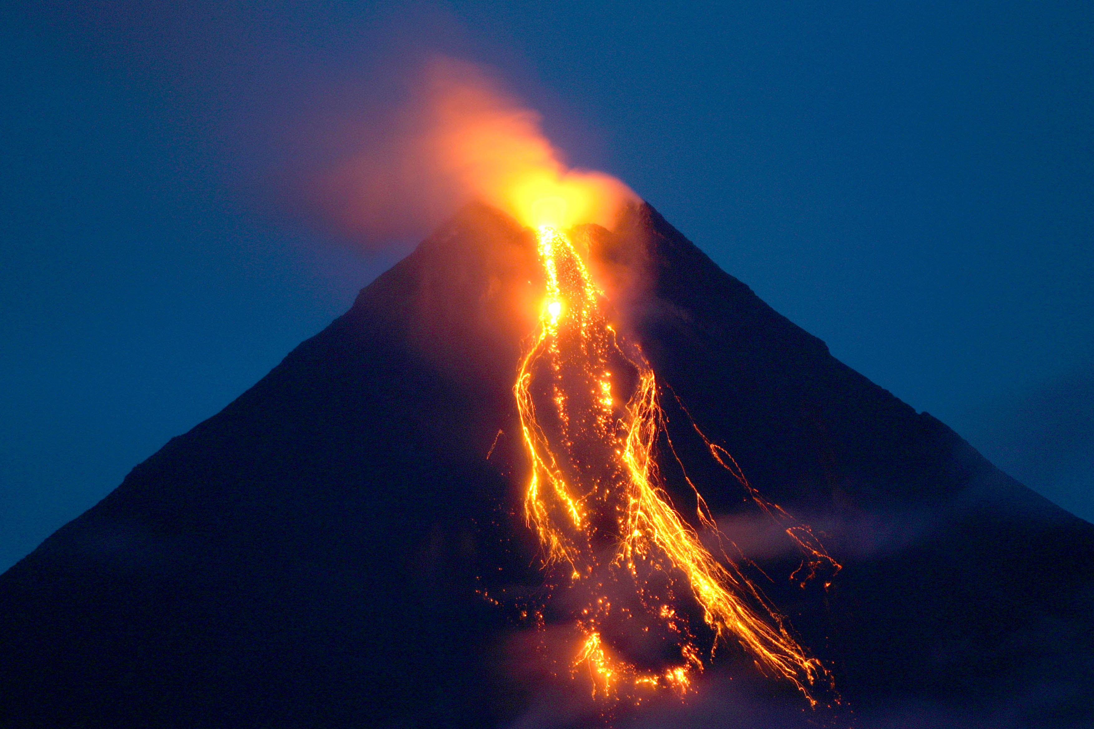 Картинки про вулканы с надписями