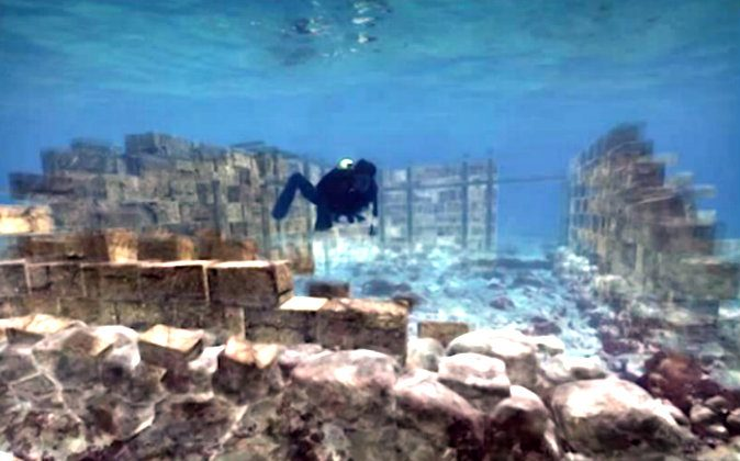 Underwater exploration of the  original foundations of Pavlopetri. (Screenshot/The University of Nottingham/Youtube)