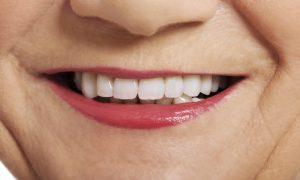6 Natural Substances to Treat Gum Disease