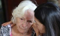 Families Affected by Early Alzheimer's Seek Better Treatment