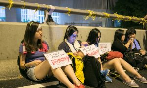 Students Underwhelmed by Hong Kong Chief Executive's Speech