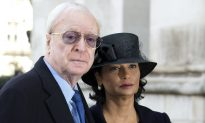 Sir Michael Caine Doesn't Get Drunk Because He's a 'Control Freak'