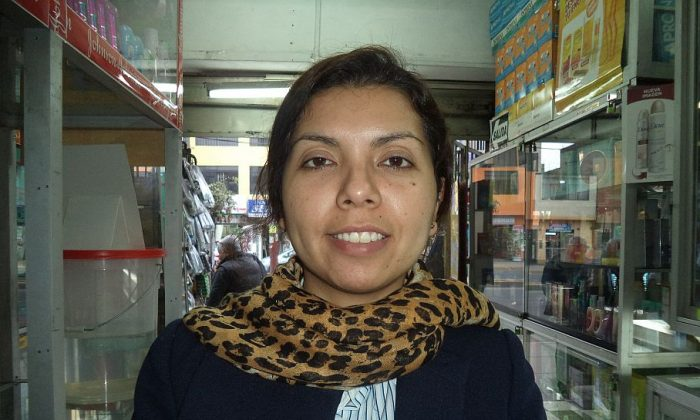 Lima, Perú: Stephany Natividad, 31, Company Saleswoman: Yes! Everyone in the world should live in peace, but to receive peace one has to give peace. Then we would have a better world. Today the world is full of problems; there are killings, suicides, wars, et cetera, for various reasons. I think no one lives in peace. For example, in the home the family does not live in peace. In my case, I do not live in peace with my partner, the situation is very contentious, and I do not know when this situation will end. We each make own life, and live in the same home, and we have a daughter. I hope my situation is resolved.