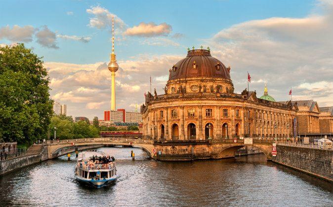 Museum island on Spree river, Berlin (Shutterstock*)
