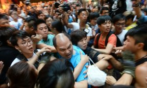 Pro-CCP Groups and Mainland Chinese Oppose Occupy Central in Hong Kong