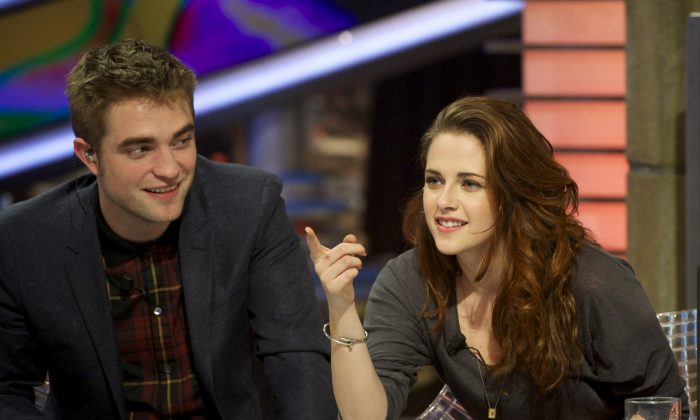 Robert Pattinson and Kristen Stewart, in a 2012 file photo. (Getty Images)