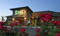 Cop Kicked out of Olive Garden Due to His Gun, Restaurant Apologizes