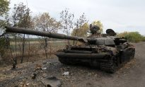 Russia Troops Stay Near Ukraine Border