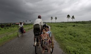 More Than 100,000 Rohingya Muslims Flee Burma