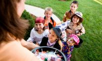 Healthier Halloween Candy for Trick-Or-Treaters