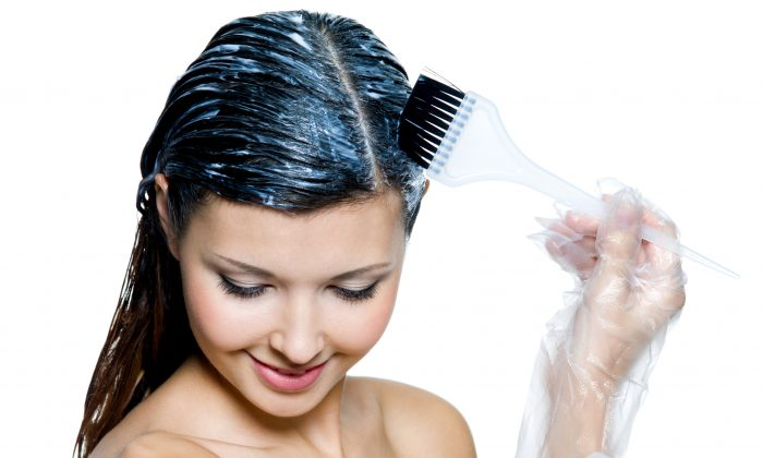 Studies assessing the hazards of synthetic hair dyes are limited and conflicting. Your safest bet is to use plant-based dyes. (Valua Vitaly/iStock/Thinkstock)