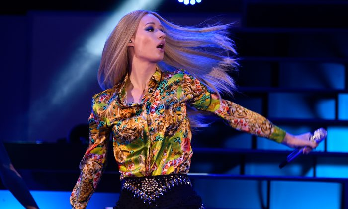 Rapper Iggy Azalea performs onstage during CBS Radio's We Can Survive at the Hollywood Bowl (presented by 5 Hour Energy) on October 24, 2014 in Los Angeles, California. (Photo by Frazer Harrison/Getty Images for CBS Radio Inc.)