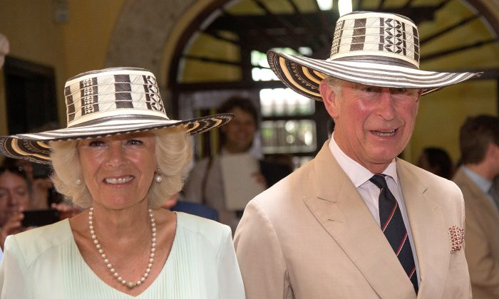 Camilla, Duchess of Cornwall and Prince Charles, Prince of Wales visit the Museo del Oro (Gold Museum) on October 31, 2014 in Cartagena, Colombia. The Royal Couple are on a four day visit to Colombia as part of a Royal tour to Colombia and Mexico. After fifty years of armed conflict in Colombia the theme for the visit is Peace and Reconciliation. (Photo by Arthur Edwards - Pool /Getty Images)