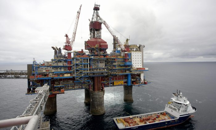 A general view taken on May 15, 2008 shows Statoil's Sleipner gas platform, some 250 kms off Norway's coast in the North Sea. (Daniel Sannum-Lauten/AFP/Getty Images)
