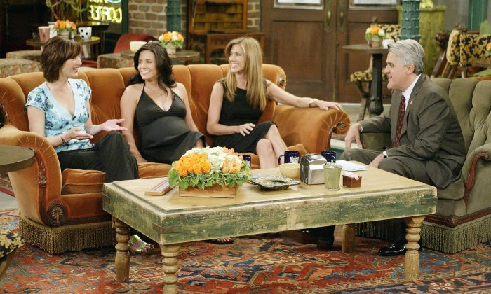 """""""Let me tell you something: there's six friends and I've been trying to put togIn this handout photo provided by NBC, actresses Lisa Kudrow, Courteney Cox-Arquette and Jennifer Aniston sat down with Jay Leno for a special 'Tonight Show' on May 6, 2004 in Los Angeles, California. (Photo by Paul Drinkwater/NBC via Getty Images)"""