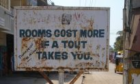 Dealing With Room Touts in India
