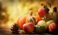 Simple, Seasonal Detox Tips Infographic