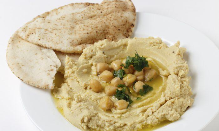 Lebanese Hummus Bi Tahini (PaulCowan/iStock/Thinkstock)
