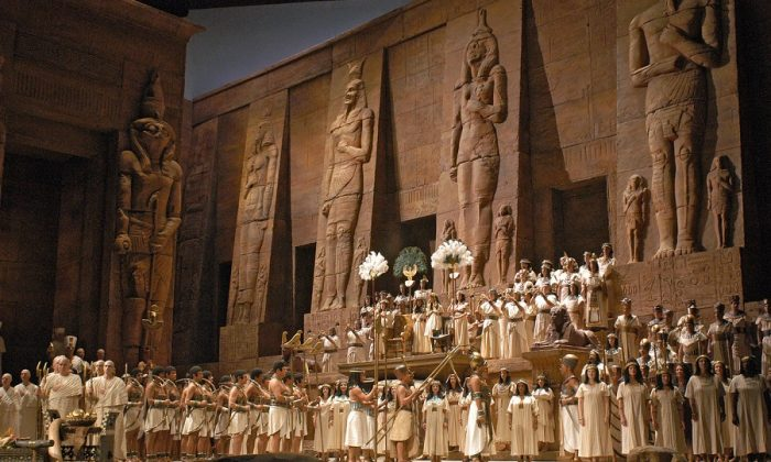 "A scene from Act 2 of Verdi's ""Aida,"" with a stunning set by Gianni Quaranta, which evoked applause. (Marty Sohl/Metropolitan Opera)"