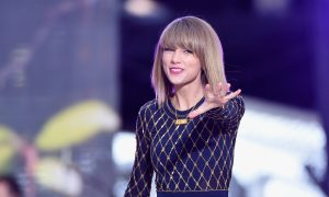 Taylor Swift and Harry Styles 'Secretly Dating,' Report Says; Source Denies It