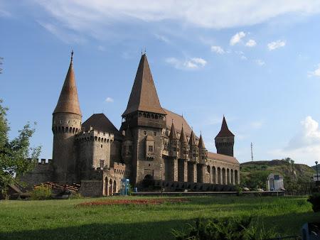 Huniazilor (Imperator Travel)