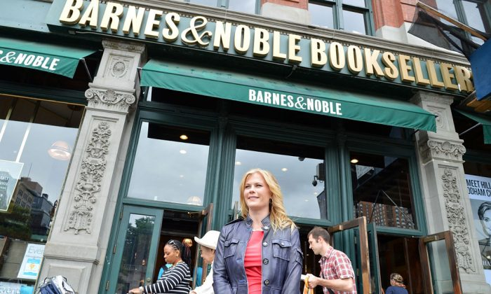 Alison Sweeney supports bookstores amidst ongoing feud between her 'Scared Scriptless' publisher Hachette and Amazon at Barnes & Noble Union Square on June 5, 2014, in New York City. (Slaven Vlasic/Getty Images)