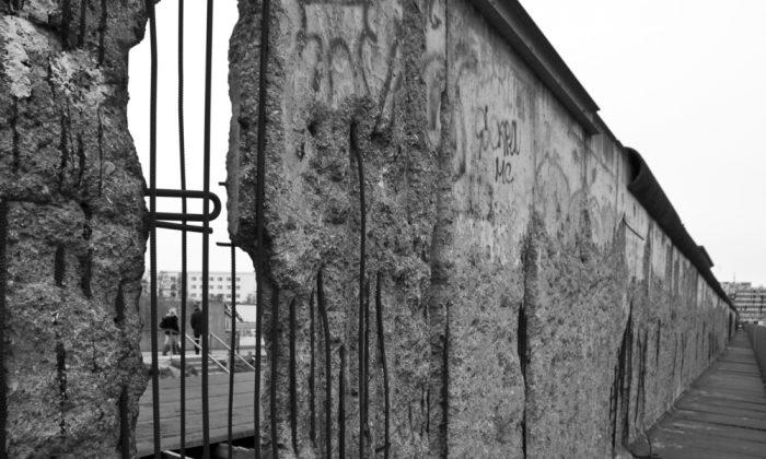Berlin Wall (Shutterstock*)