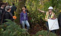 Kinder Morgan Pipeline Debate Looms Over Civic Elections in Vancouver Area