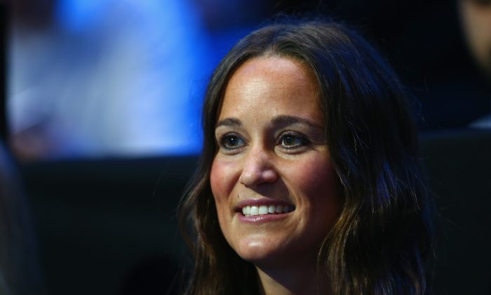 Pippa Middleton watches Andy Murray of Great Britain play in the round robin singles match against Roger Federer of Switzerland on day five of the Barclays ATP World Tour Finals at O2 Arena on November 13, 2014 in London, England. (Photo by Clive Brunskill/Getty Images)