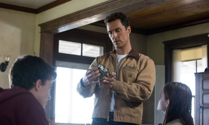 """(L–R) Timothée Chalamet, Matthew McConaughey, and Mackenzie Foy in """"Interstellar."""" (Paramount Pictures and Warner Brothers Entertainment)"""