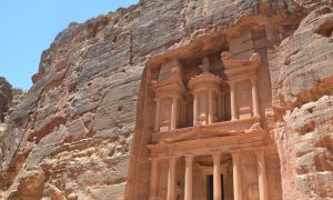 The Wonder That Is Petra, and the Best Time to See the Treasury