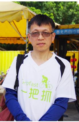 Mr. Jian, who cycles and swims regularly as a hobby.(Zhang Yu-Hua)