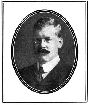 Bertram Fletcher Robinson ca. 1906. (Ted Sherrell/Wikimedia Commons)