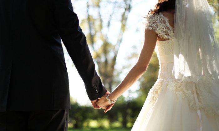Newlyweds facing the uncertain future (*Shutterstock)