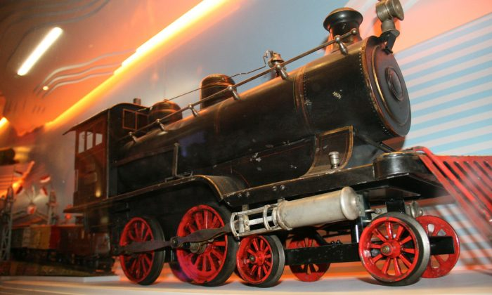 One of the toy trains at the Holiday Express exhibit at New-York Historical Society in Manhattan, N.Y., on Tuesday, Nov. 25, 2014. The Holiday Express exhibit features antique toys and trains from a collection amassed by a Pennsylvania couple, Jerry and Nina Greene. (Shannon Liao/Epoch Times)